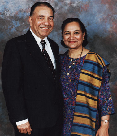Dr. Kanak Raval with wife Bharatiben