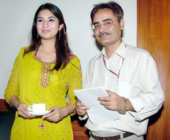 Jayant Pithadia with television actress Divyanka Tripathi