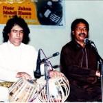 aqeel-manzoor-performing-with-abdul-sattar-tari-khan-in-tabla
