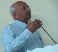 Dr Navin Vibhakar