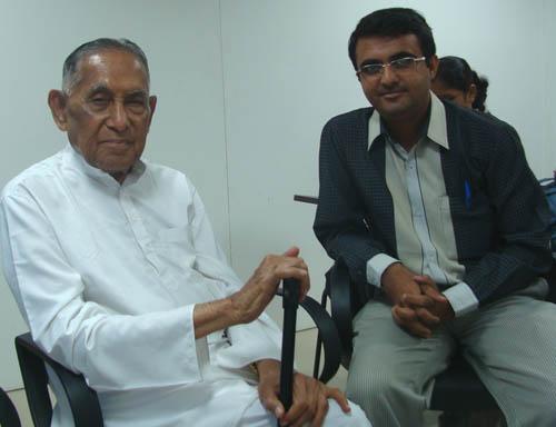 Devang Vibhakar with Shree Deepchand Gardi