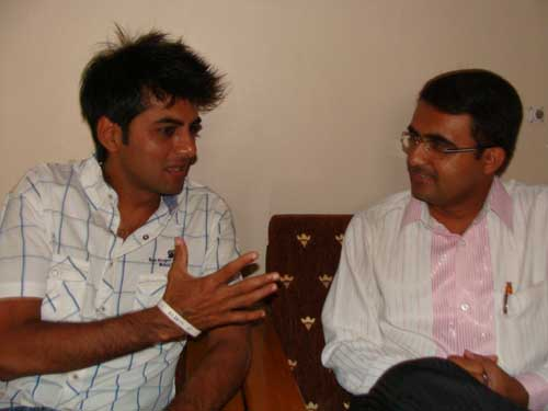 Kamlesh Oza in conversation with Devang Vibhakar