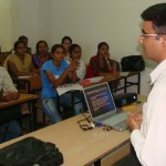 Devang-Vibhakar-delivering-lecture-at-saurashtra-university-department-of-social-work-2