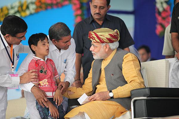 Uttam Maru with Narendra Modi
